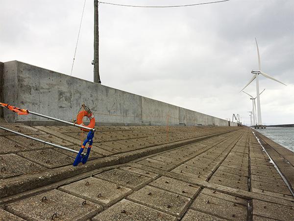 酒田北港水路の工事状況