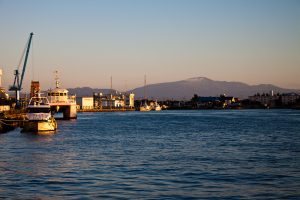 酒田港から月山を望む 2012.10.8